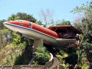 b_720_0_0_0___images_stories_users_Virgilio_aereo_boeing-727-trasformato_in__suite_in_costa_rica_Social_Design_Magazine-01
